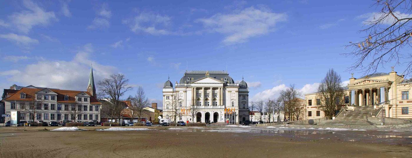 So Ein Theater Das Mecklenburgische Staatstheater Ein